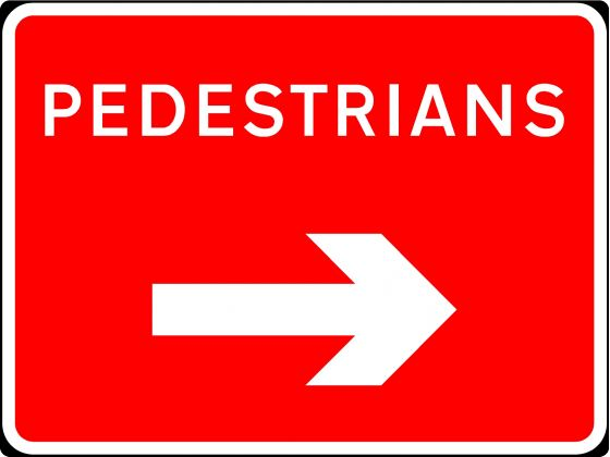 600x450mm Pedestrians with Arrow Right - 7018