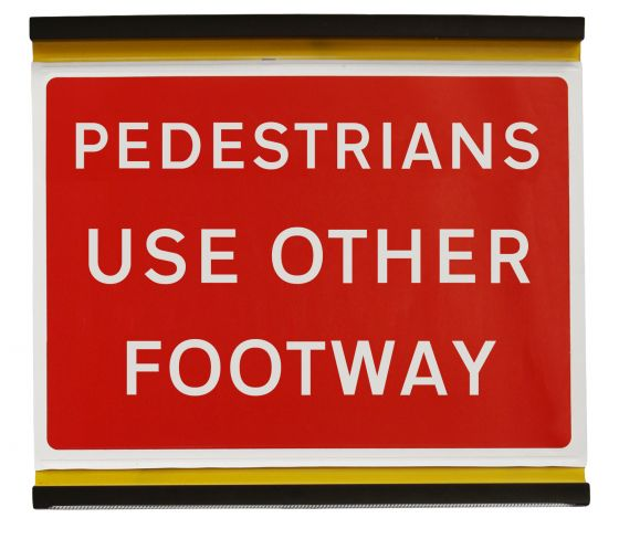 600x450mm Pedestrians Use Other Footway - 7018