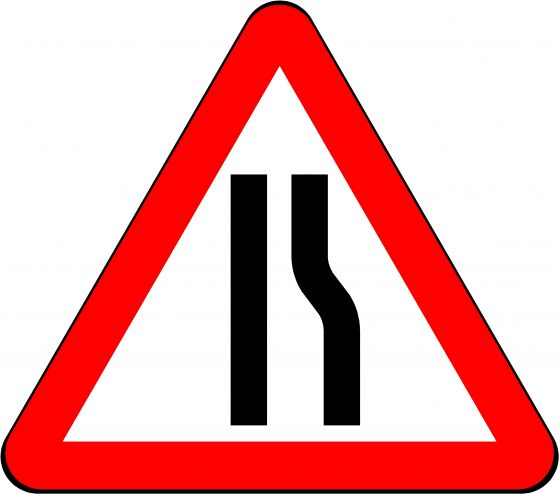 750mm Triangle - Road Narrows Right Ahead
