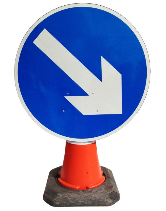 Cone Sign -  Directional Arrow Fixed Right - 610